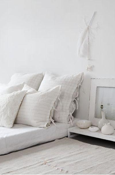 white+room+bed.jpg