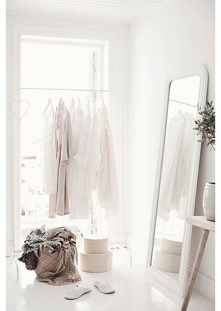 white+hanges.jpg
