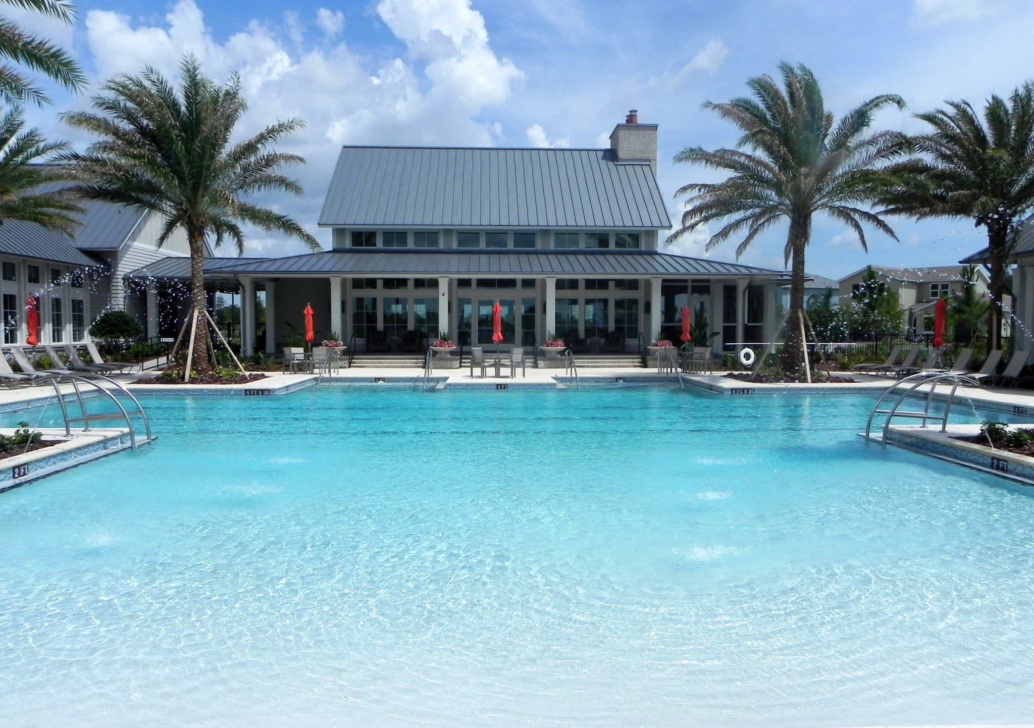 Arbor-Grande-Clubhouse-Ribbon-Cutting-pool-zero-entry.jpg