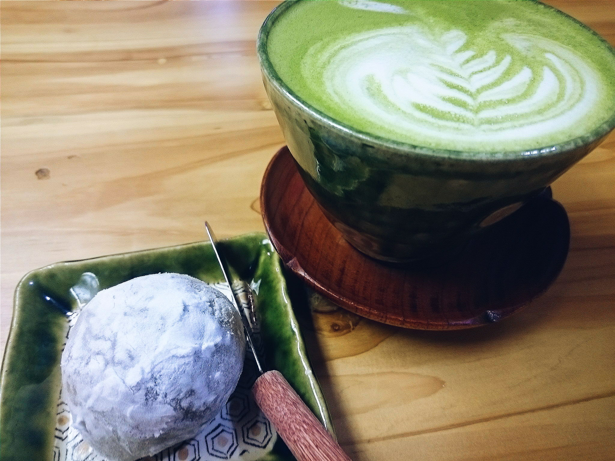 Maccha Latte with Traditional Daifuku with Anko from JagaSilk