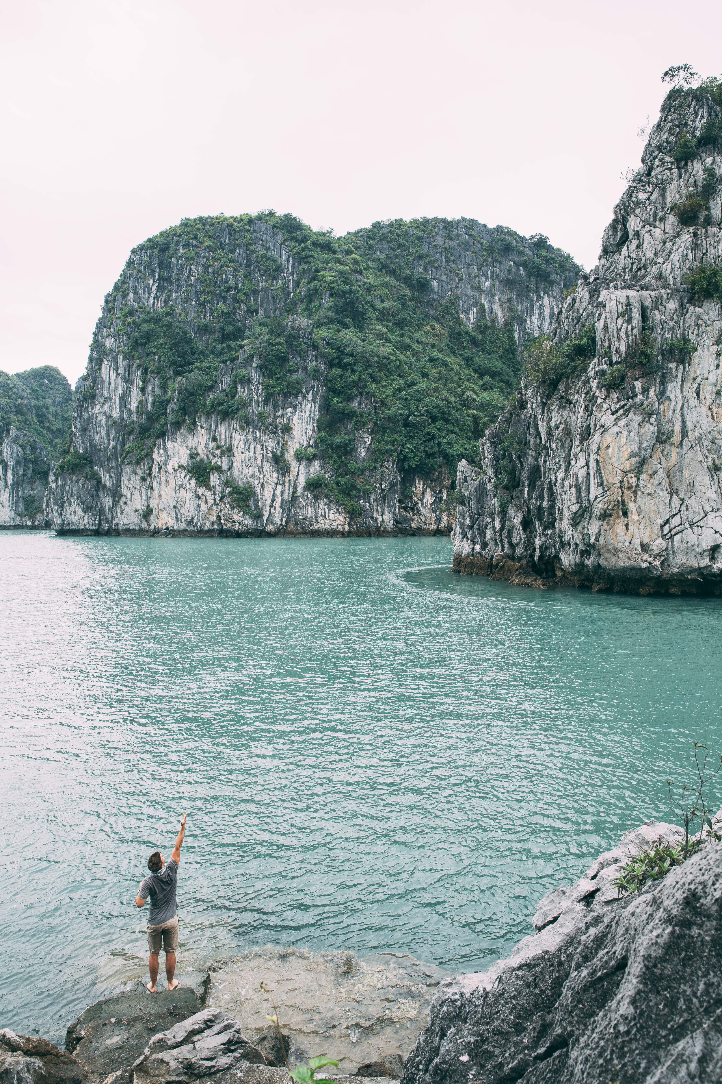 The spreading at Ha Long Bay. Photo by  Daniel Brown .
