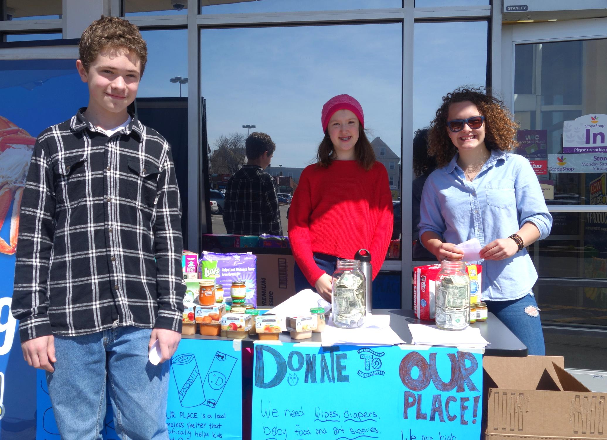 7th grader Jack, 6th grader Isabel, and 9th grader Izzy at the Supermarket Drive