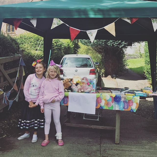 Young entrepreneurs in Ashby de la Dreams today. Find this boutique stand alone market stall at the end of the driveway on Prior Park Lane (off Upper Packington Road) and support this fine local independent one-day-business. Products include original artwork, books, dvds, puzzles, teddies, and some garden vegetables. Free sweets with every purchase. Almost all proceeds go to charity. #ashbydelazouch #charliebrown #summerdayz #isaidyestoeverything @ashbyadventureswithkids