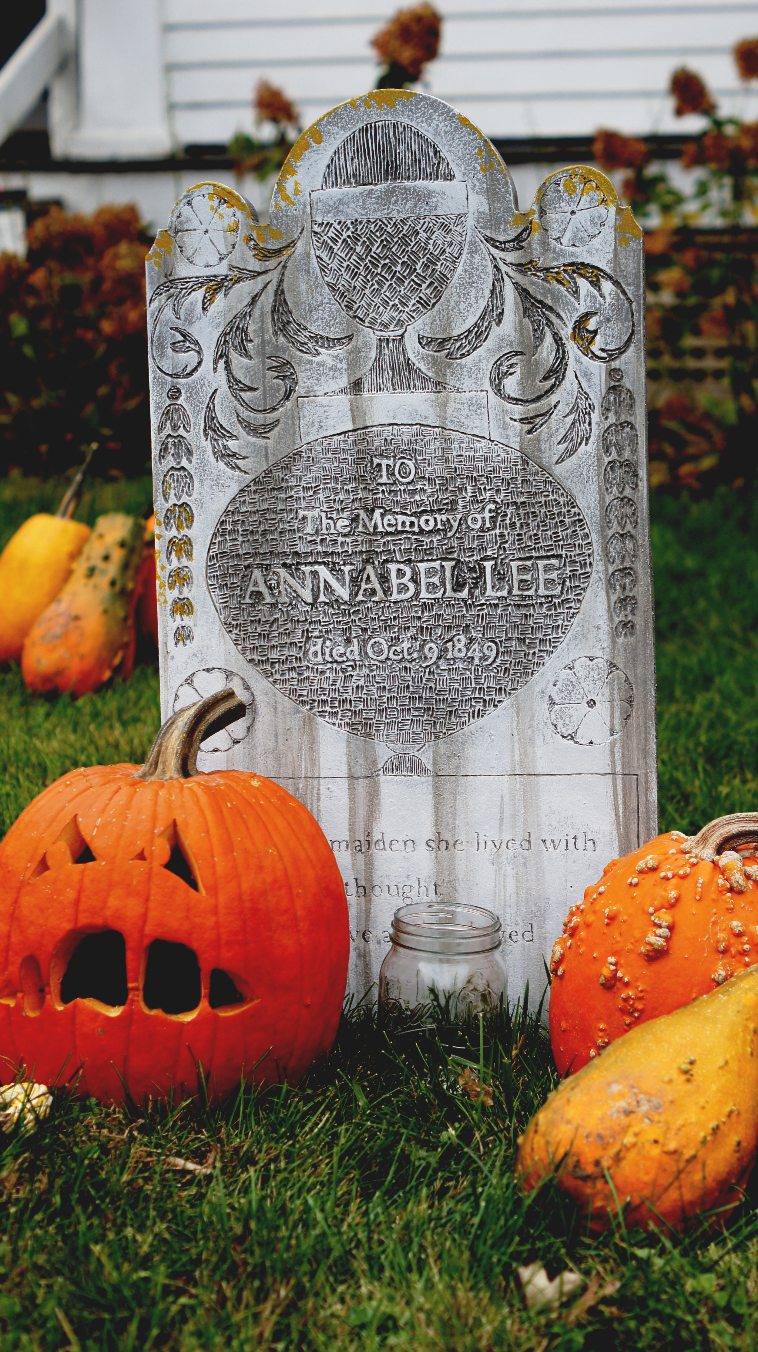 Acanthus House | Annabel Lee Tombstone