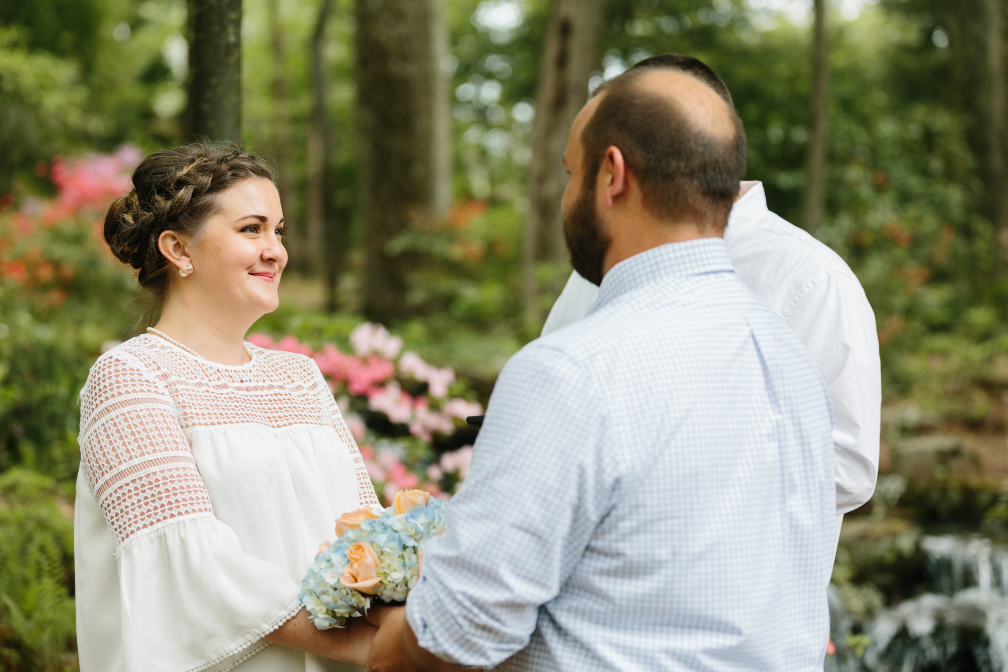 Photography of an intimate wedding ceremony in Bloomington, Indiana.