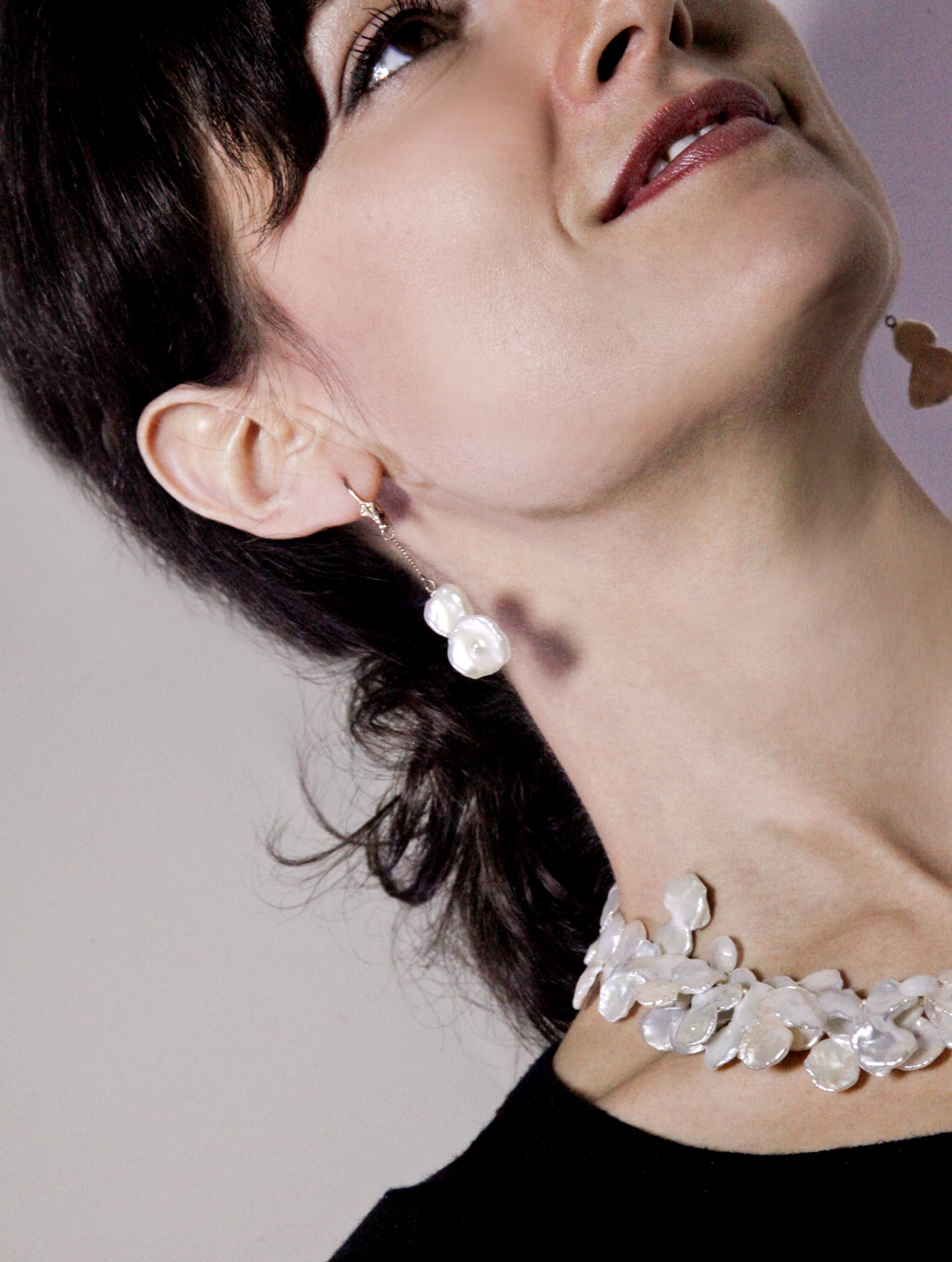 Rachel-fluffy petal pearls & earrings