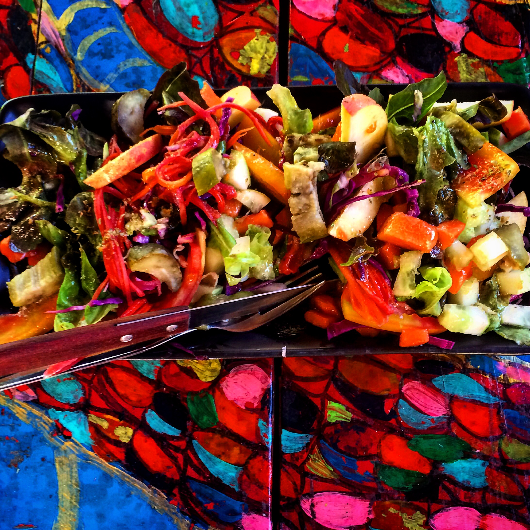Kunda Salad: eggplant, papaya, tomato, lettuce, apple, cabbage, herbs & a tamarind dressing.