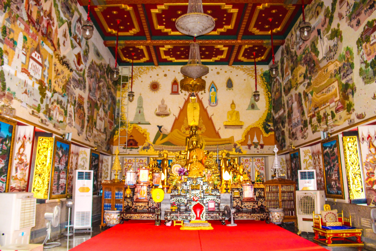 Inside one of the temples where photography was allowed (near the Standing Buddha).