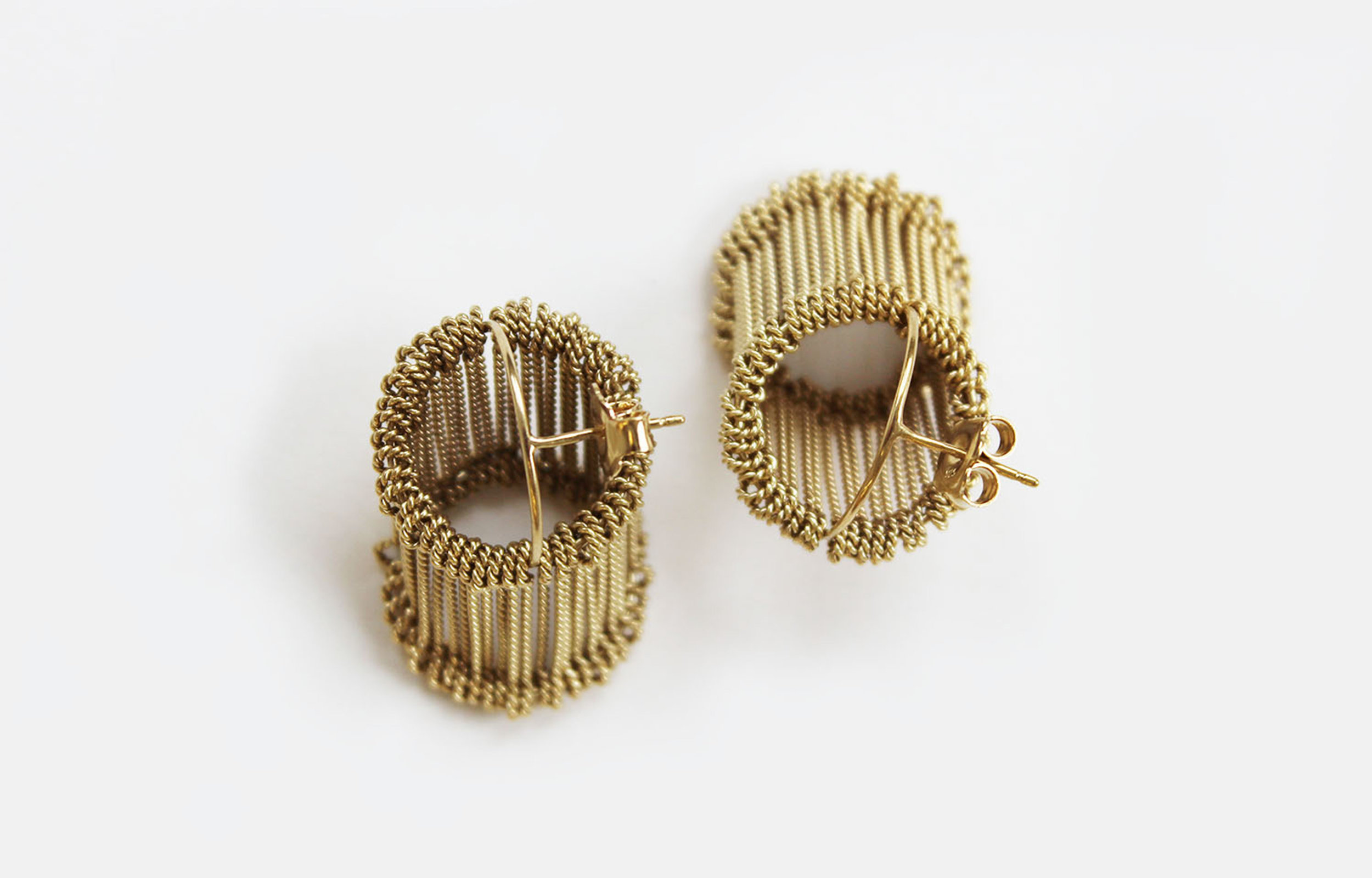 Heddle 5 Earrings, 2016. 18ct gold plated silver, 20x15x15mm (4).jpg