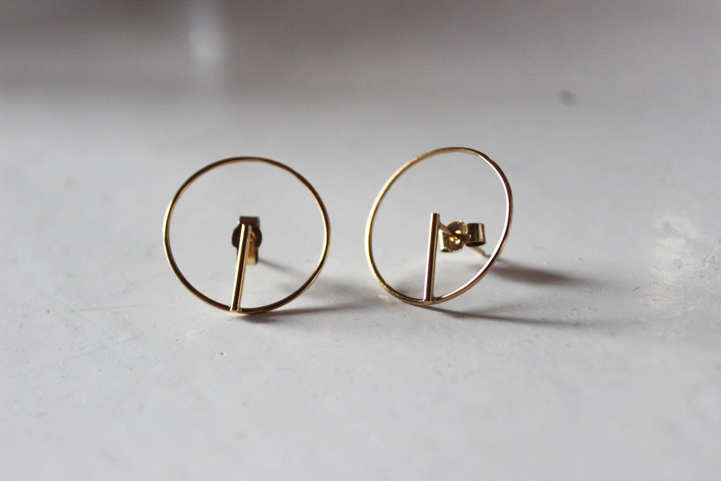 Circle earrings gold plated 3.jpg