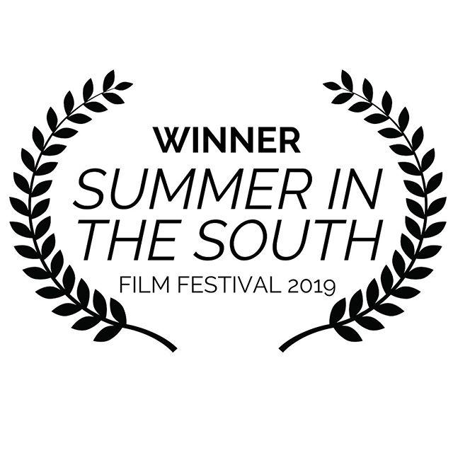 I'm an Award Winning Filmmaker. Period. #InvestInYourself #WriteYourOwnWay #BustOutOfTheFugginBox