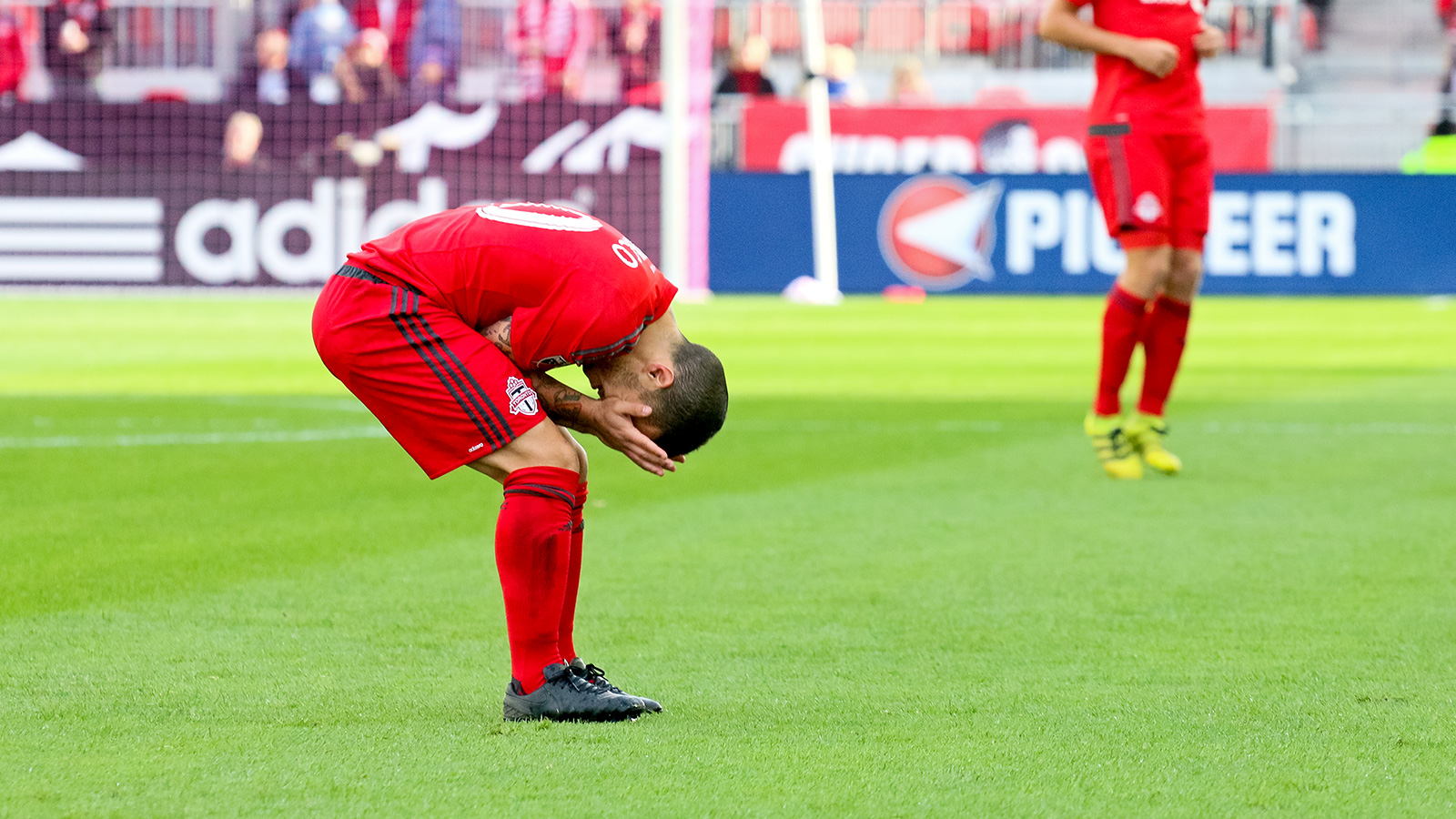 Giovinco misses a goal opportunity.