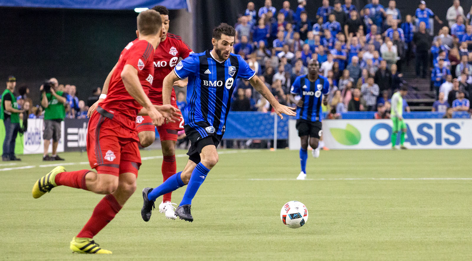 The Montreal Impact trying to make a place into space during a MLS Cup playoff match.