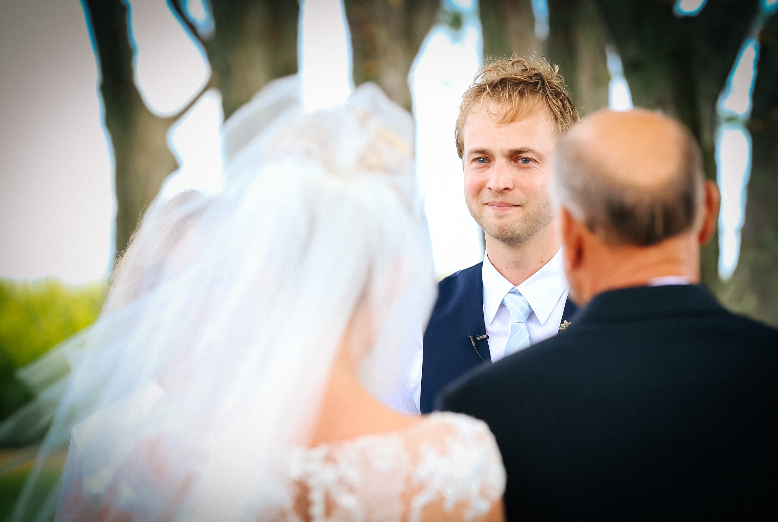 Minnesota wedding photographer grooms reactions