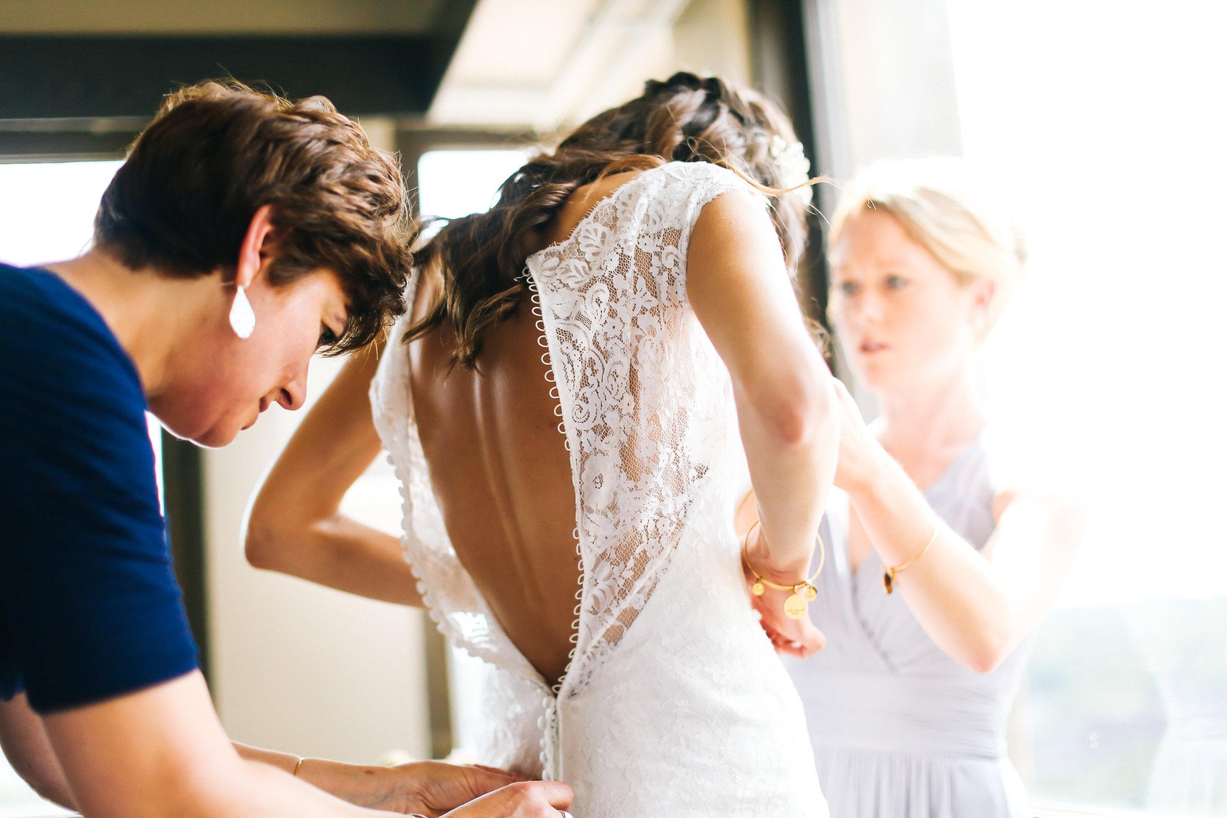 St. Paul Bride Getting Ready