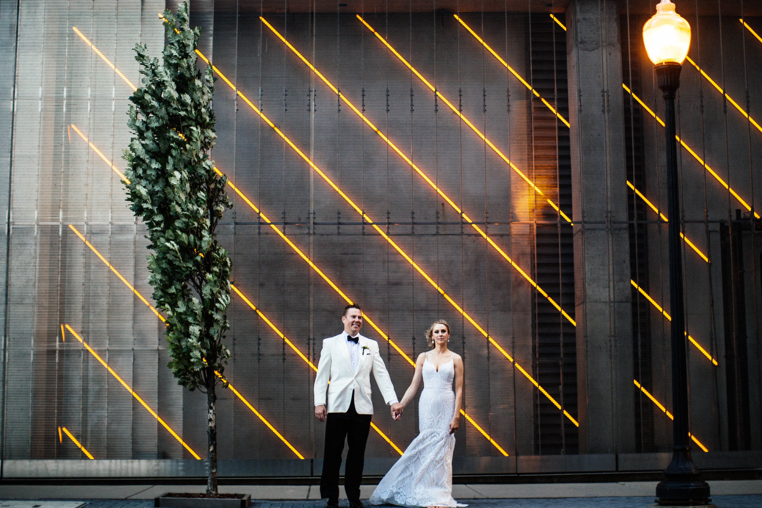 golden hour wedding photography in downtown Minneapolis