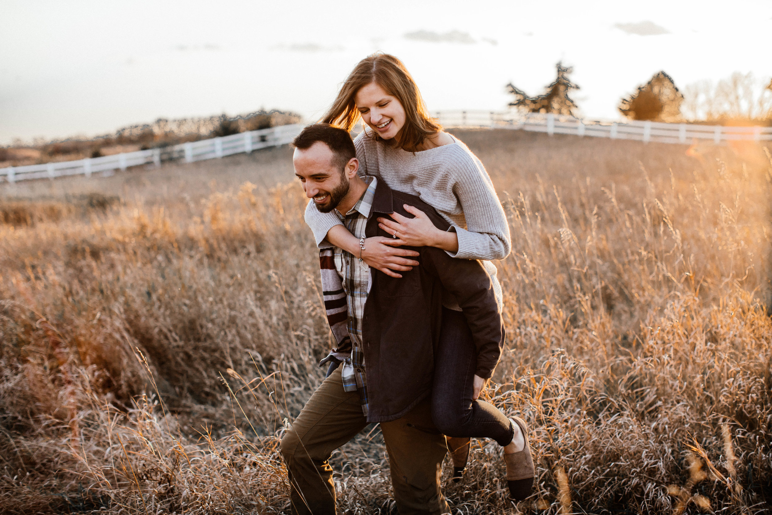 Outdoorsy autumn engagement shoot