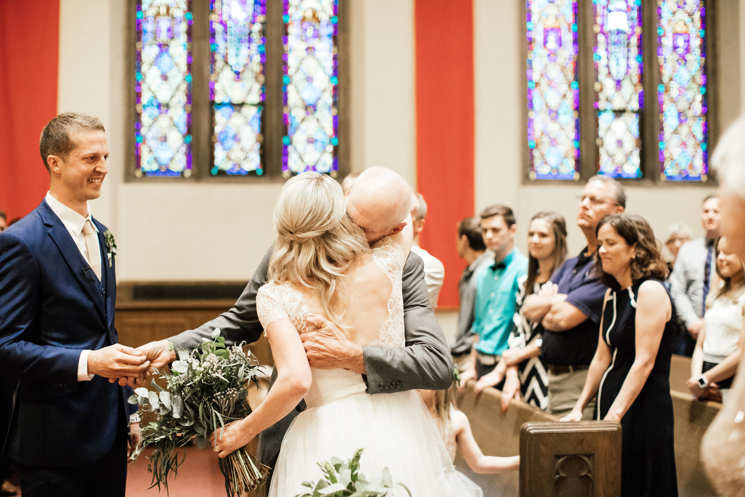 Minneapolis Traditional Church Wedding Photographer