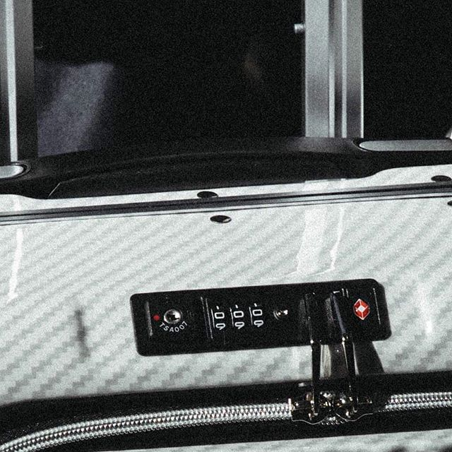 """Supply is running out, hurry and get your the enkloze x1 carbon white aka """"the stormtrooper carry on"""" - ENKLOZE X1 CARBON White CARRY ON #travel #traveling #traveltheworld #travelphotography #travelgram #luggage #luggage #tsa #luxuryworldtraveler #luxurytravel #jordans #nike #yeezy #luxurybag  #luxury #luxurylife #luxurylifestyle #worldtraveler #businesstraveller #airport #airportlife #frequentflyer #suitcaselife #ilovetravel #hotelliving #consultantlife #worktravel #businesstravellife #starwars #stormtrooper http://www.enkloze.com/shop/enkloze-x1-carbon-black-carry-on-spinner"""