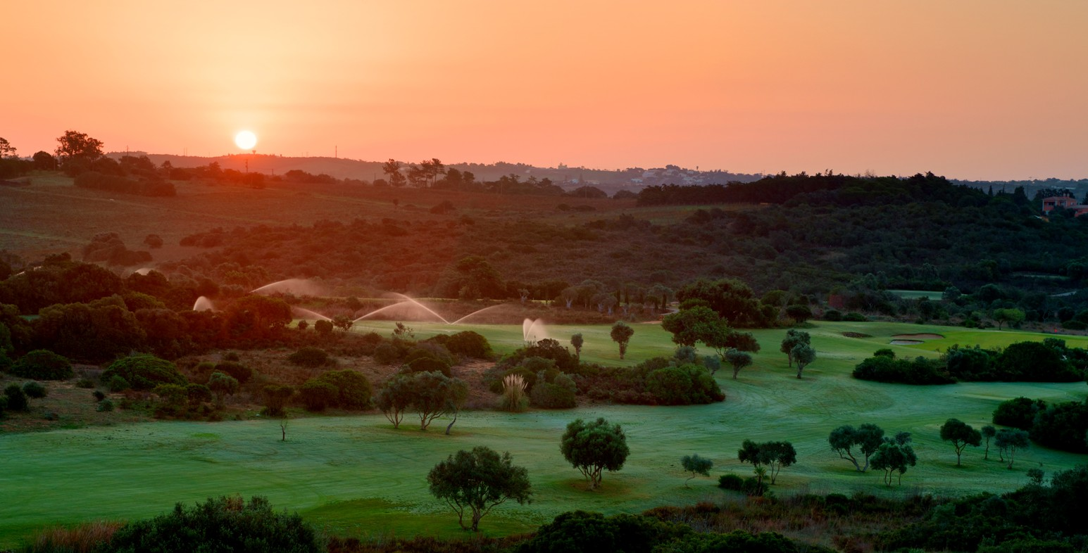Espiche Golf_Sunset over #5 and #6_D823904 web.jpg
