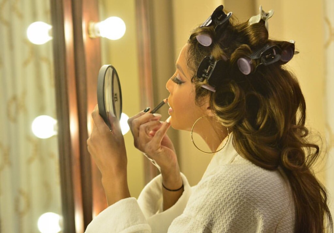 Toni Braxton Getting Ready for her DC show this night.