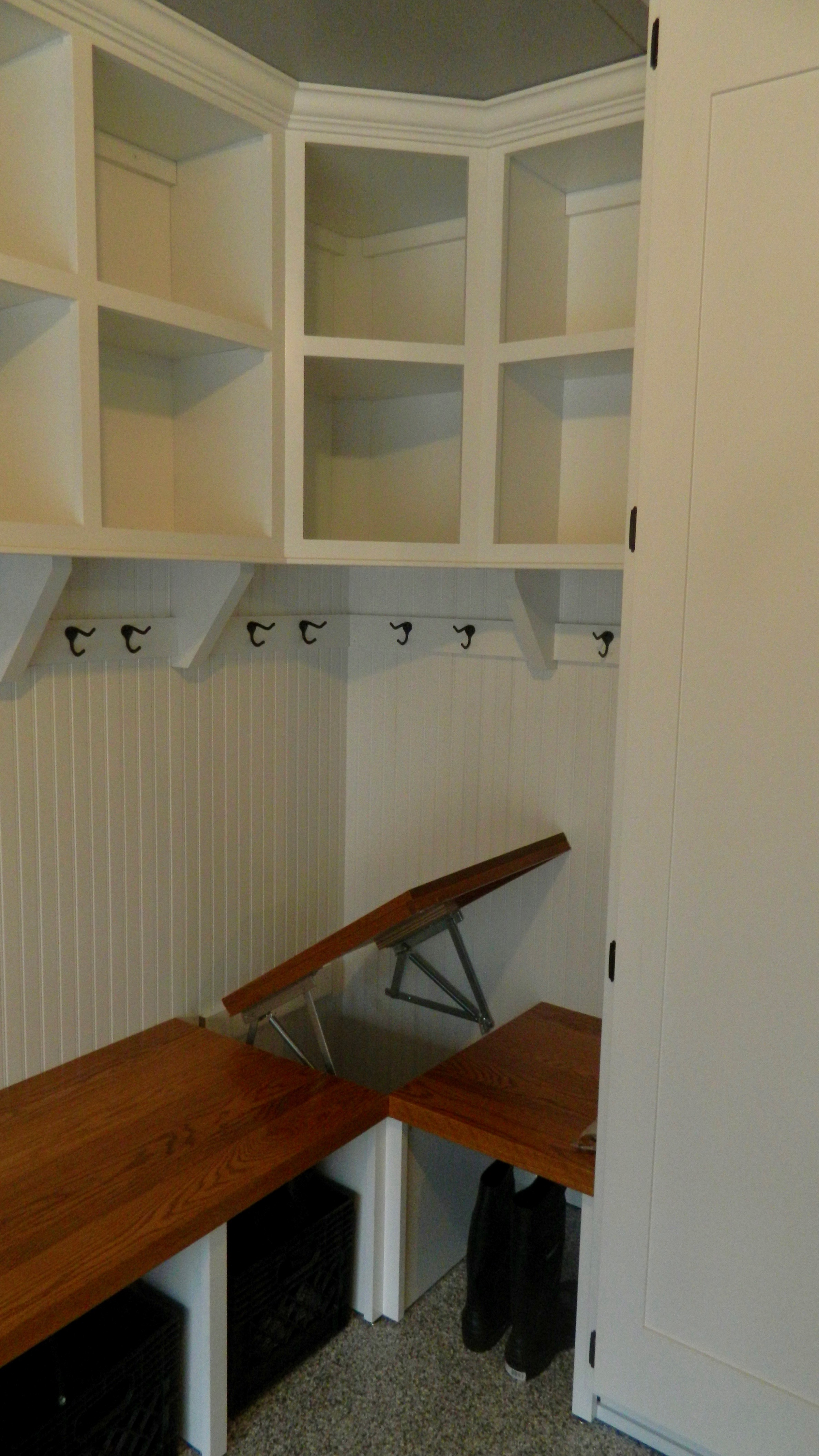 Mudroom Lockers Bench Detail