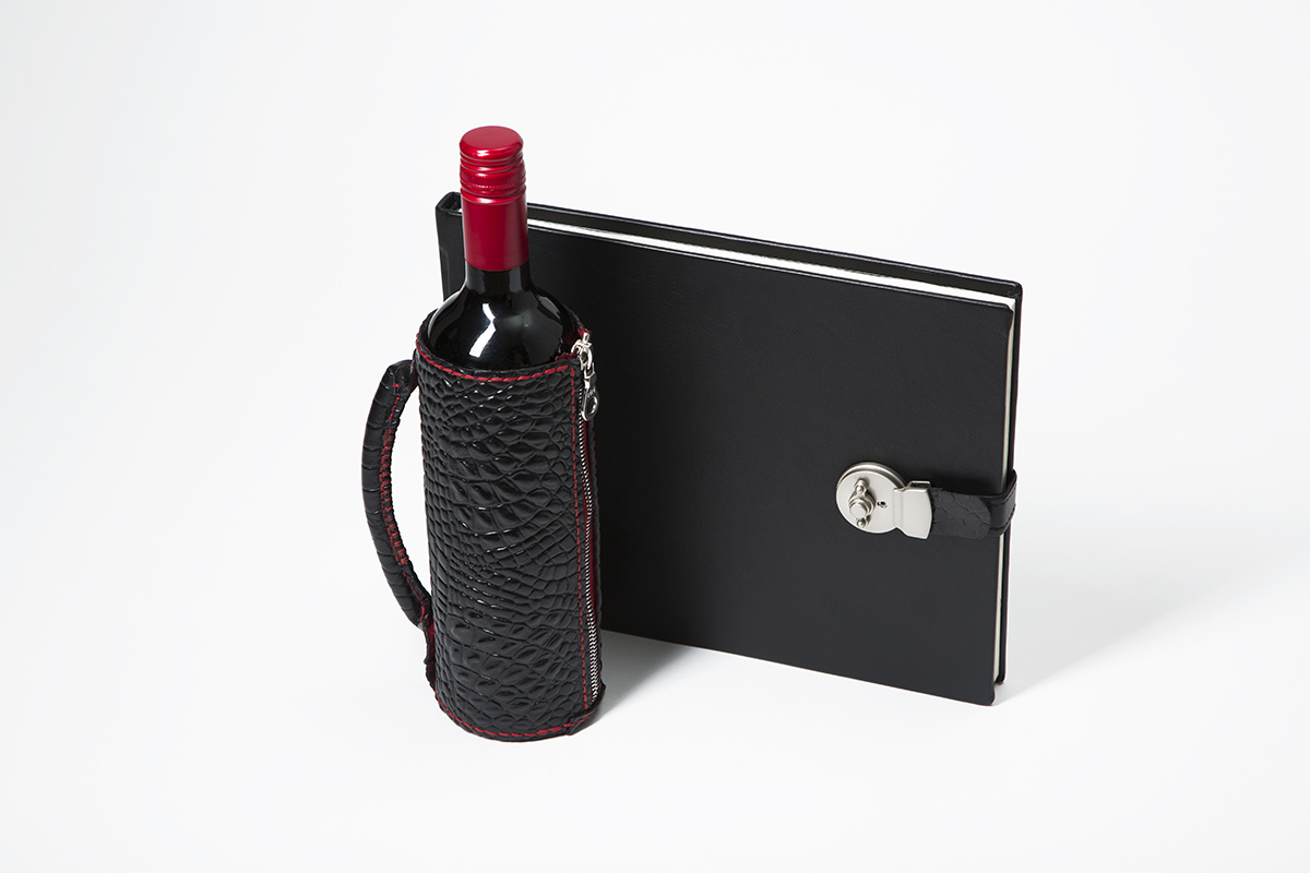 Bespoke Wine Tasting Journal and Bottle Carrier.jpg