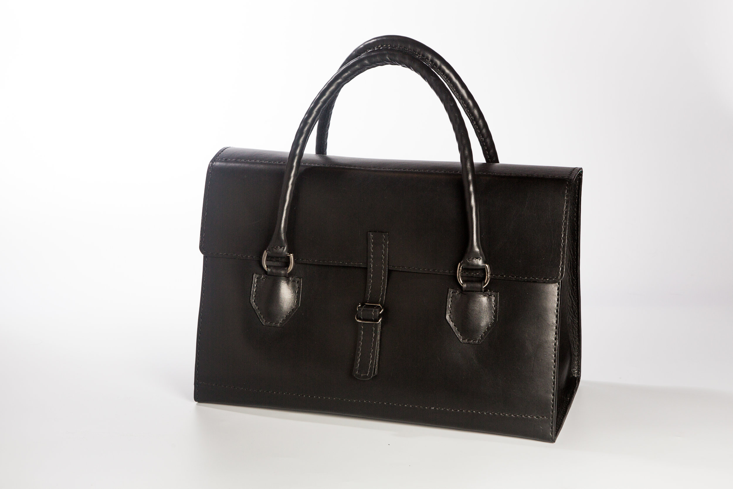 Luxury Travel Bag in black bridle leather.jpg