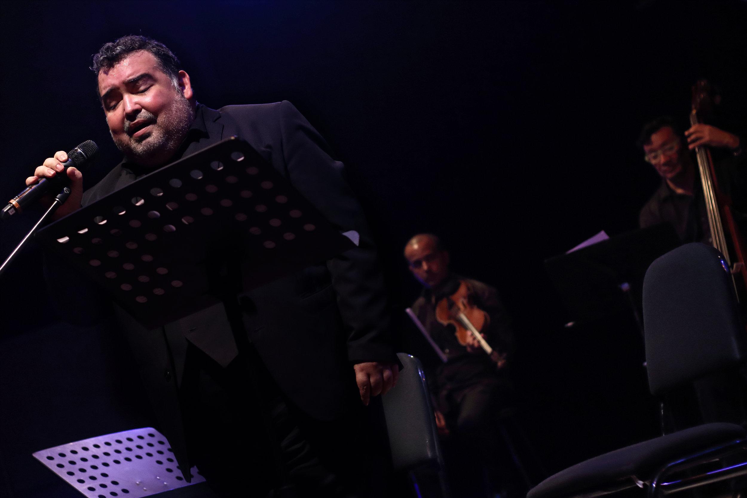 Aquiles Machado en el homenaje a Alfredo Sadel. Foto: Archivo Guataca