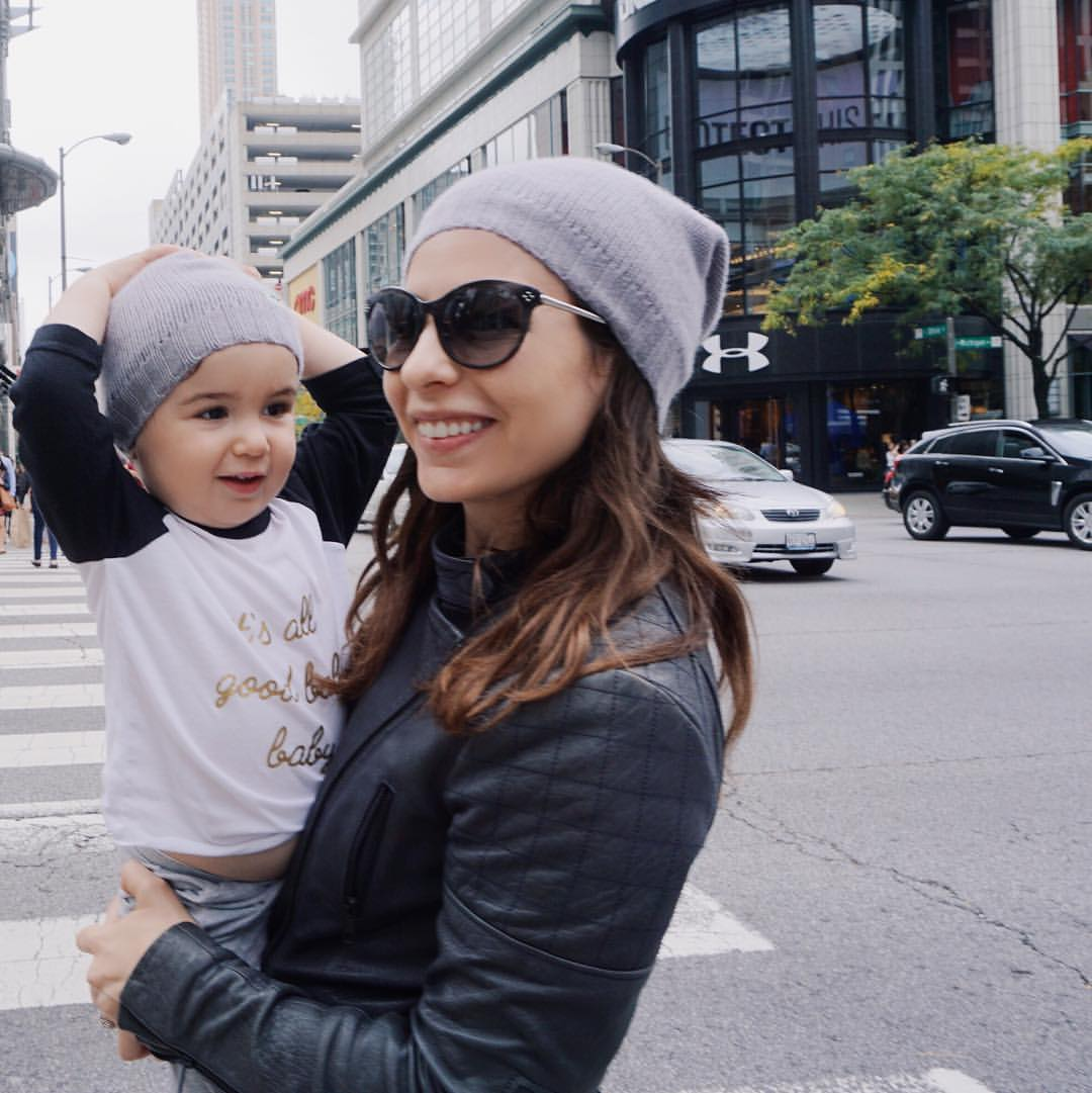 Twinning in Chicago in our  MiniMains beanies . Click  here  for my  Chicago travel guide .