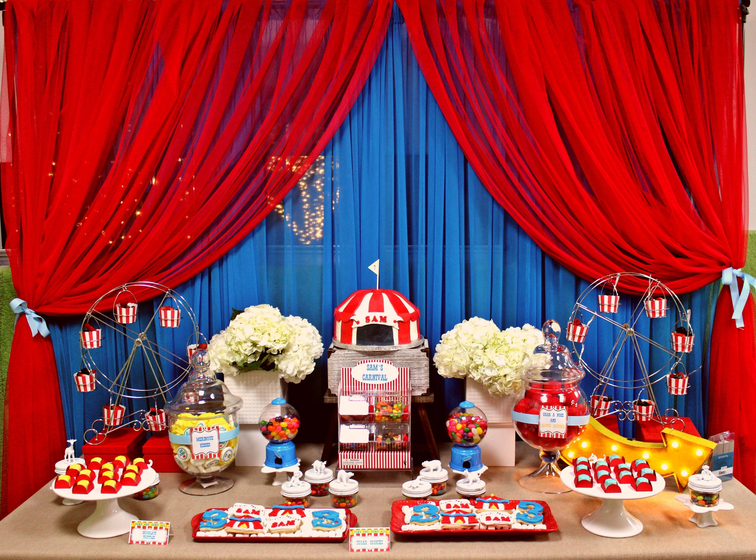 The sweet table!