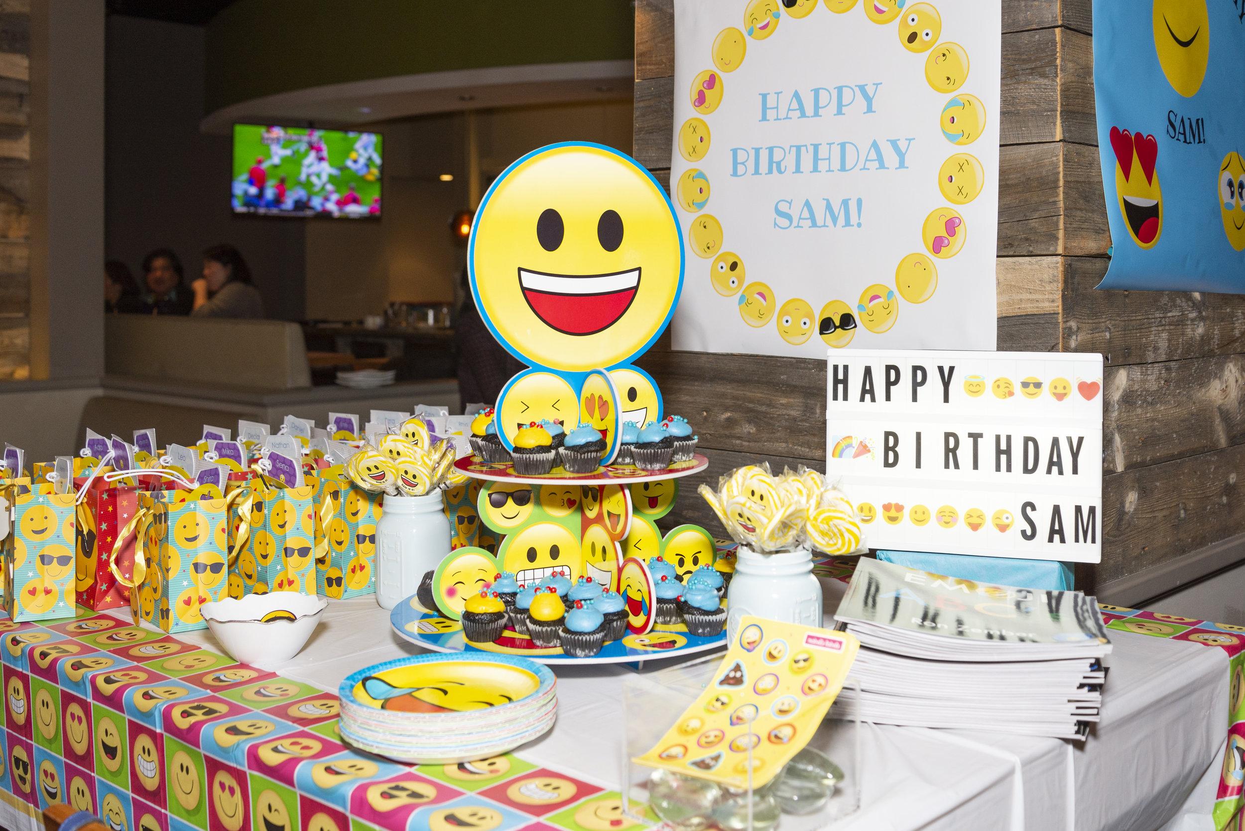 emoji dessert and favor table