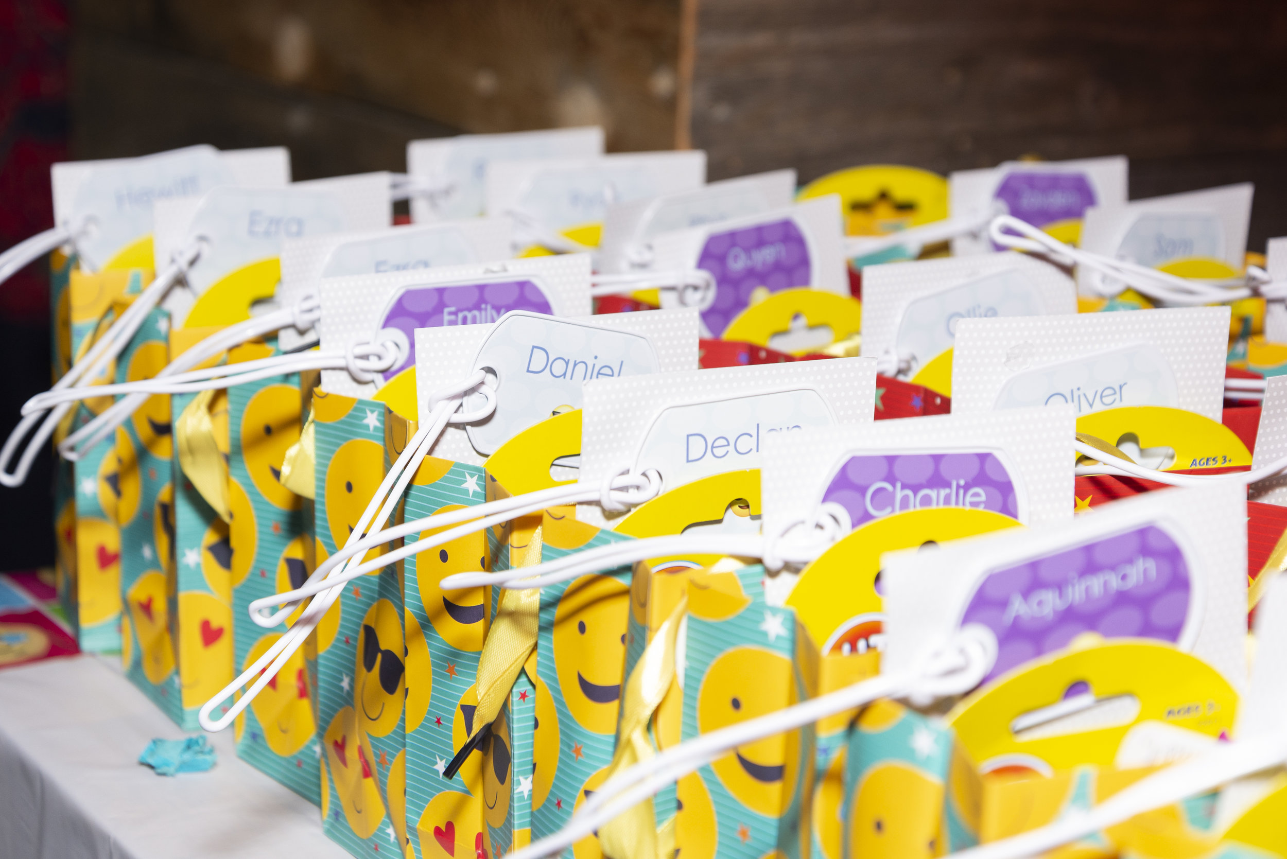 emoji personalized label party favor