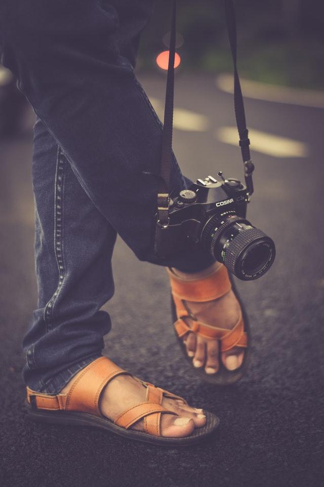 camera-feet-footwear-142962.jpg