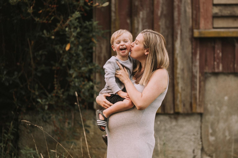 Rotorua Maternity Photographer (17).jpg