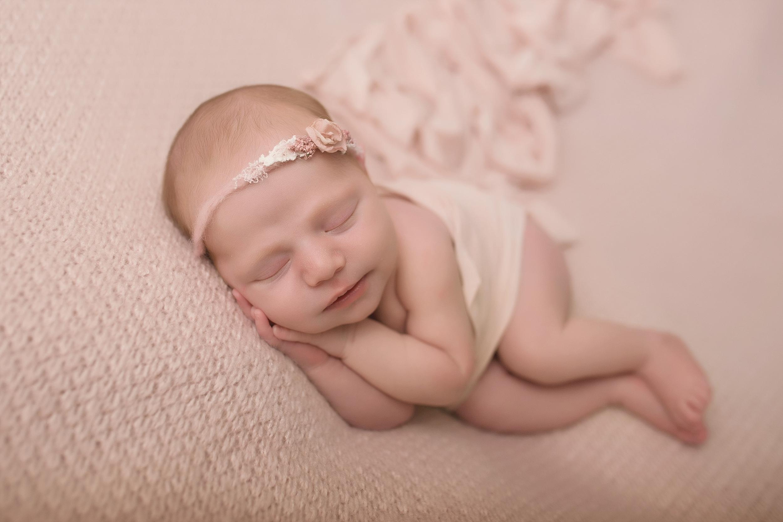 Rotorua New Zealand baby photographer Newborn photography Boy Girl (12).jpg