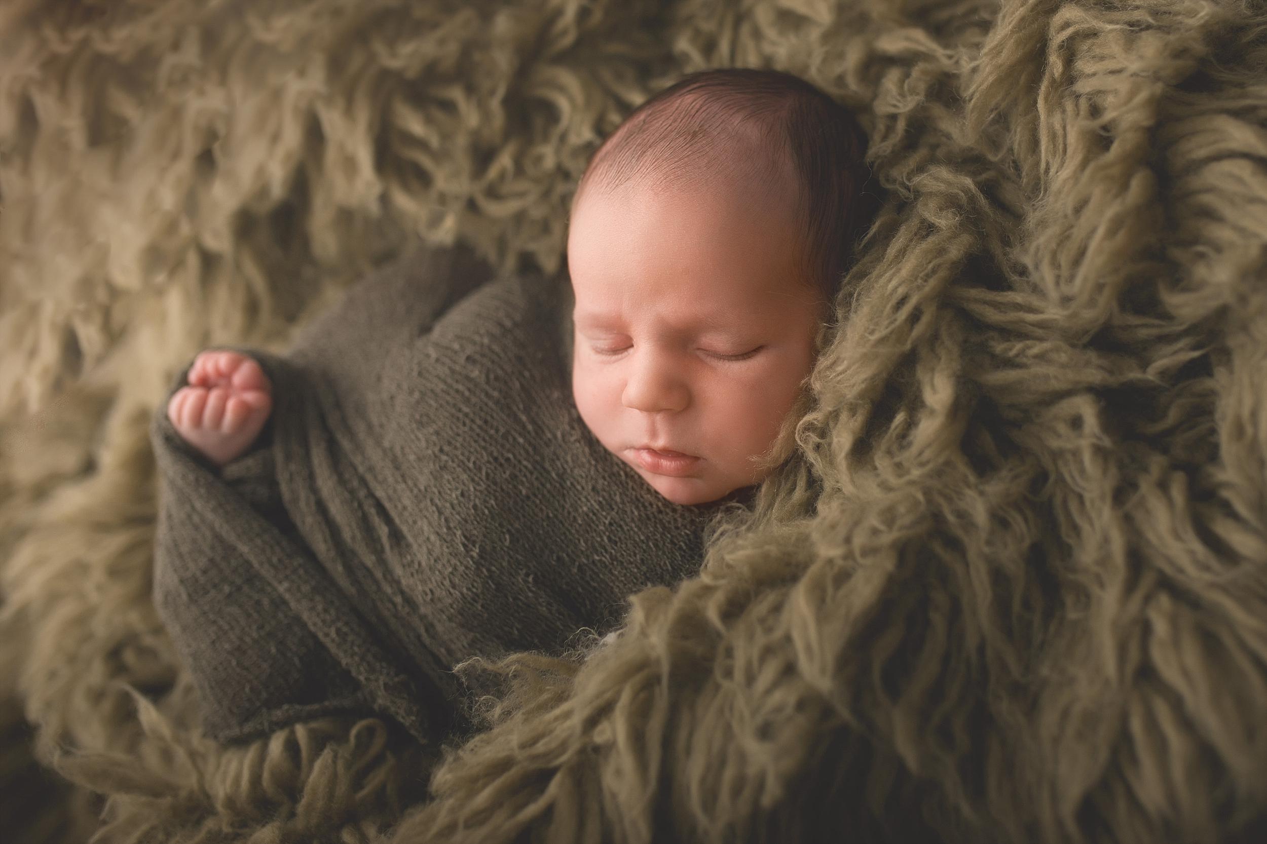 Rotorua New Zealand baby photographer Newborn photography Boy Girl (18).jpg