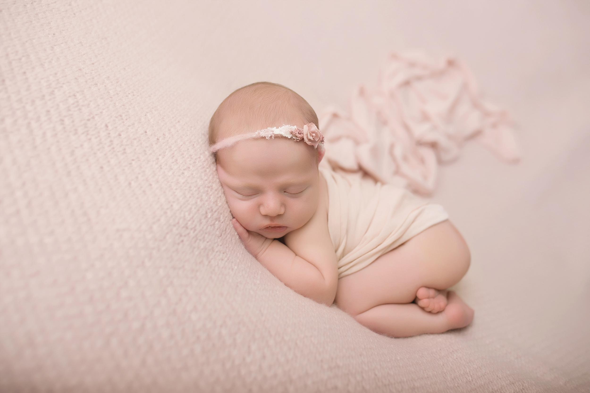 Rotorua New Zealand baby photographer Newborn photography Boy Girl (13).jpg