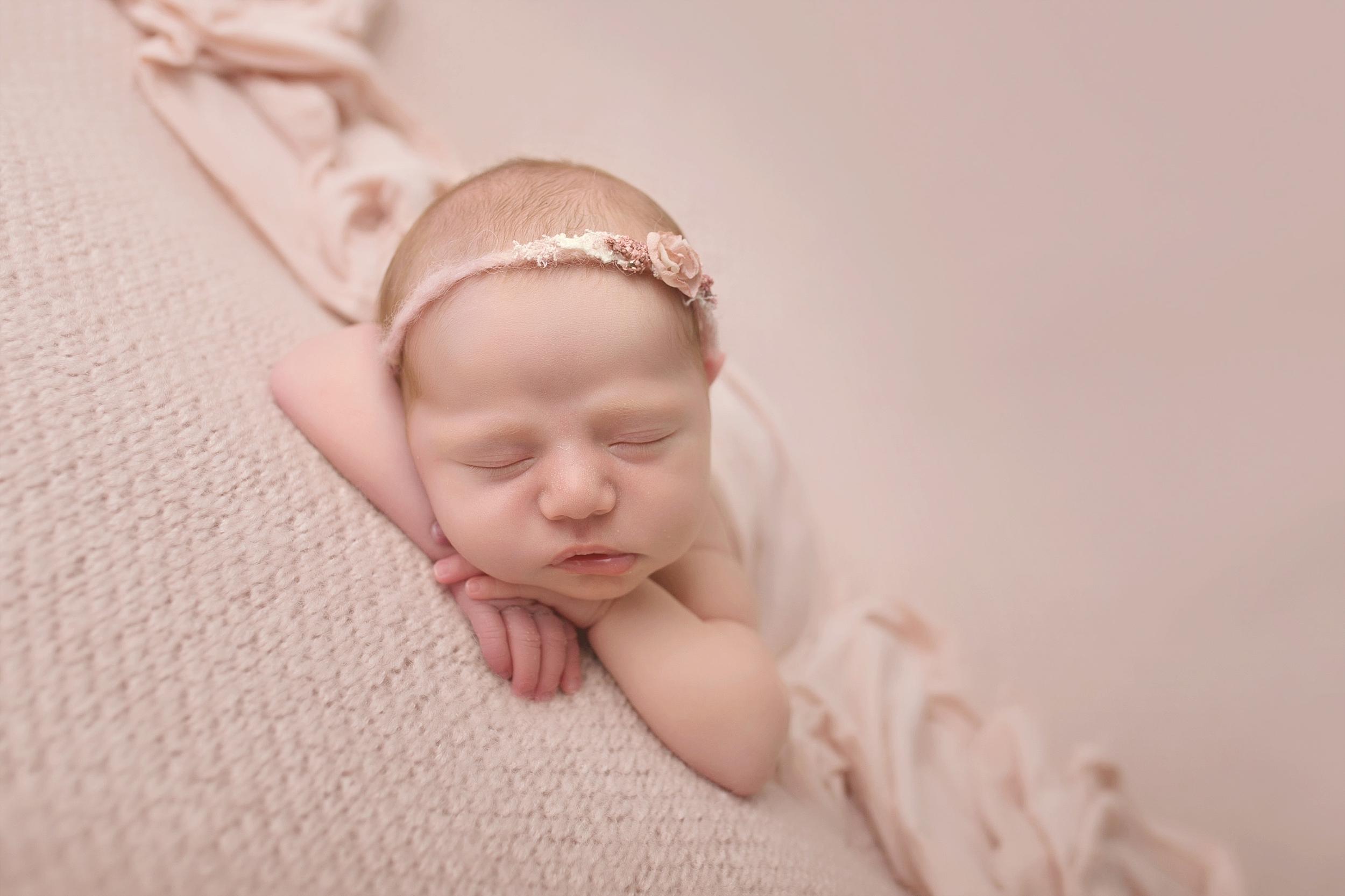 Rotorua New Zealand baby photographer Newborn photography Boy Girl (14).jpg