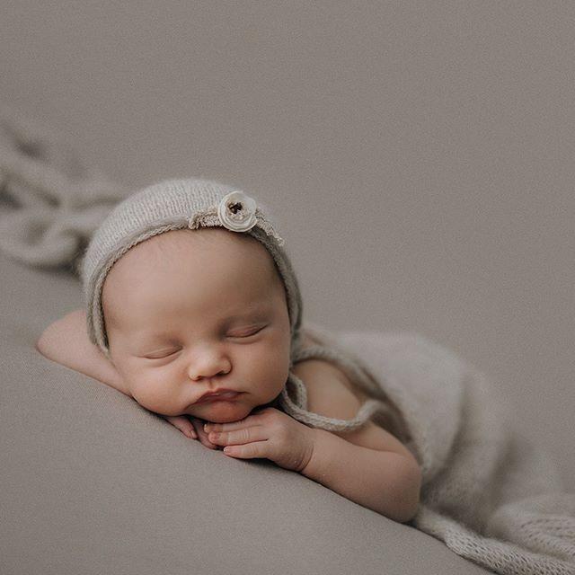 Beautiful Freya ❤️❤️❤️ #bayofplentyphotographer #rotoruaphotographer #newbornphotography #earthtones #photooftheday #sonynewzealand #neutraltones #babyphotography #babygirl #newborngirl #naturalnewbornphotography