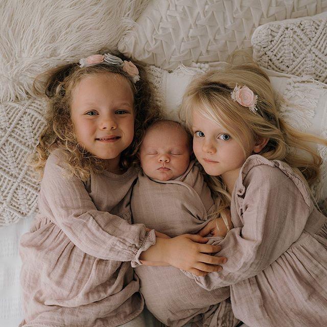 3 beautiful sisters ❤️❤️ @jamiekaystore  #newbornphotography #rotoruaphotographer #jamiekaystyle #dustypink #twinning #boho #sonynewzealand #bayofplentyphotography #taurangaphotographer #sisters #photooftheday #bohohome #bohostyle #florals #babyphotography #siblingphotography #babygirl