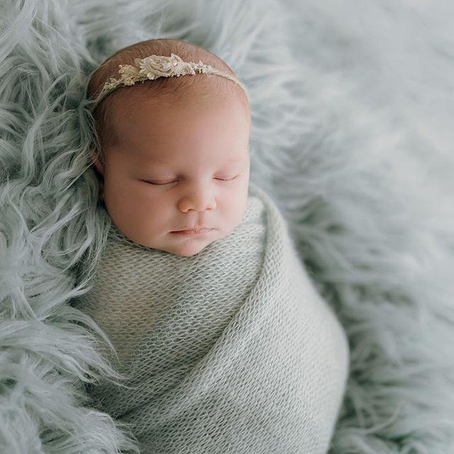 Loving this colour 😍 #newbornphotography #rotoruaphotographer #babygirl #photooftheday #babyphotography #itssofluffy #seafoamgreen #bayofplentyphotographer