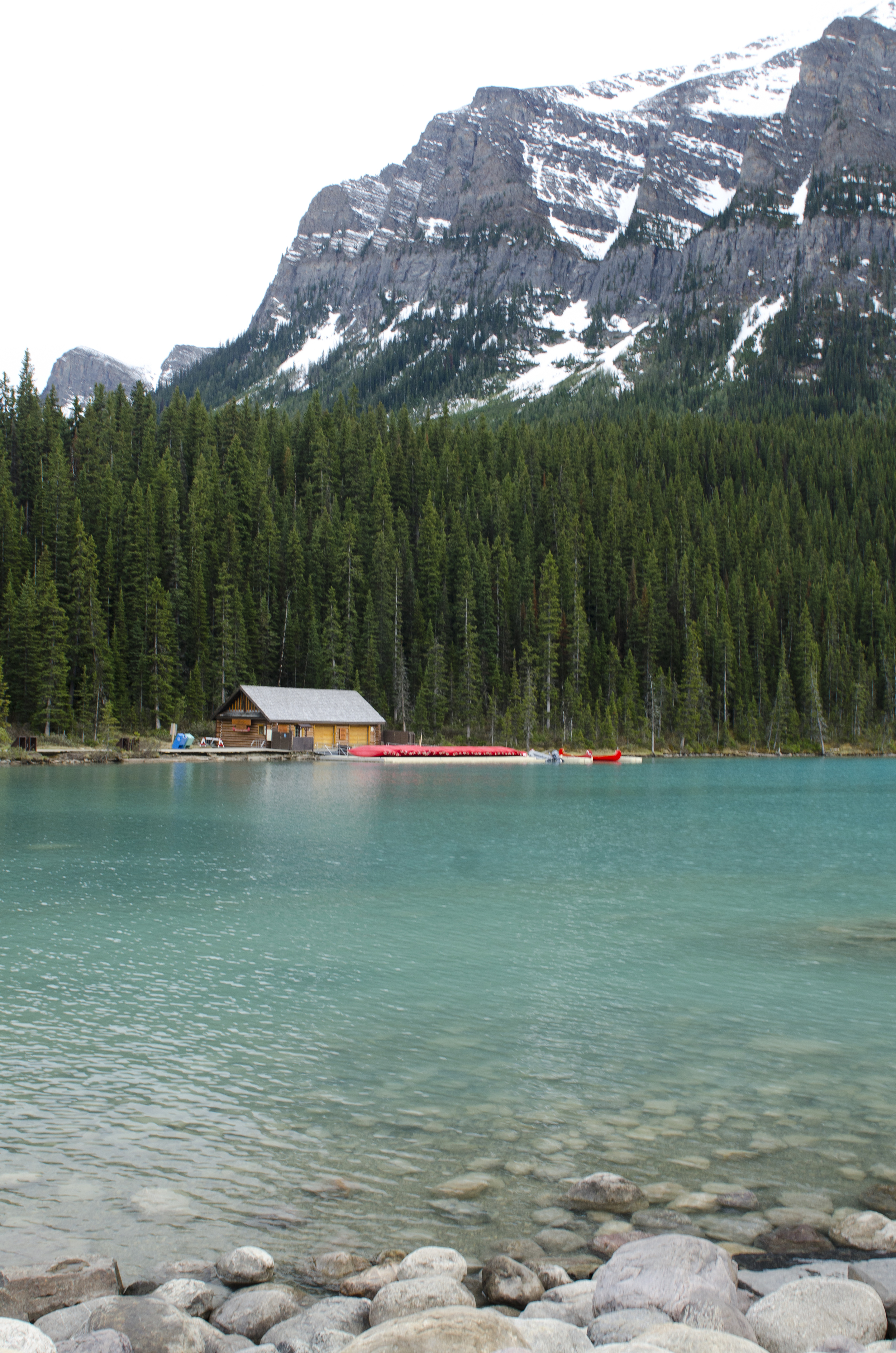 On the shores of Lake Louise at last