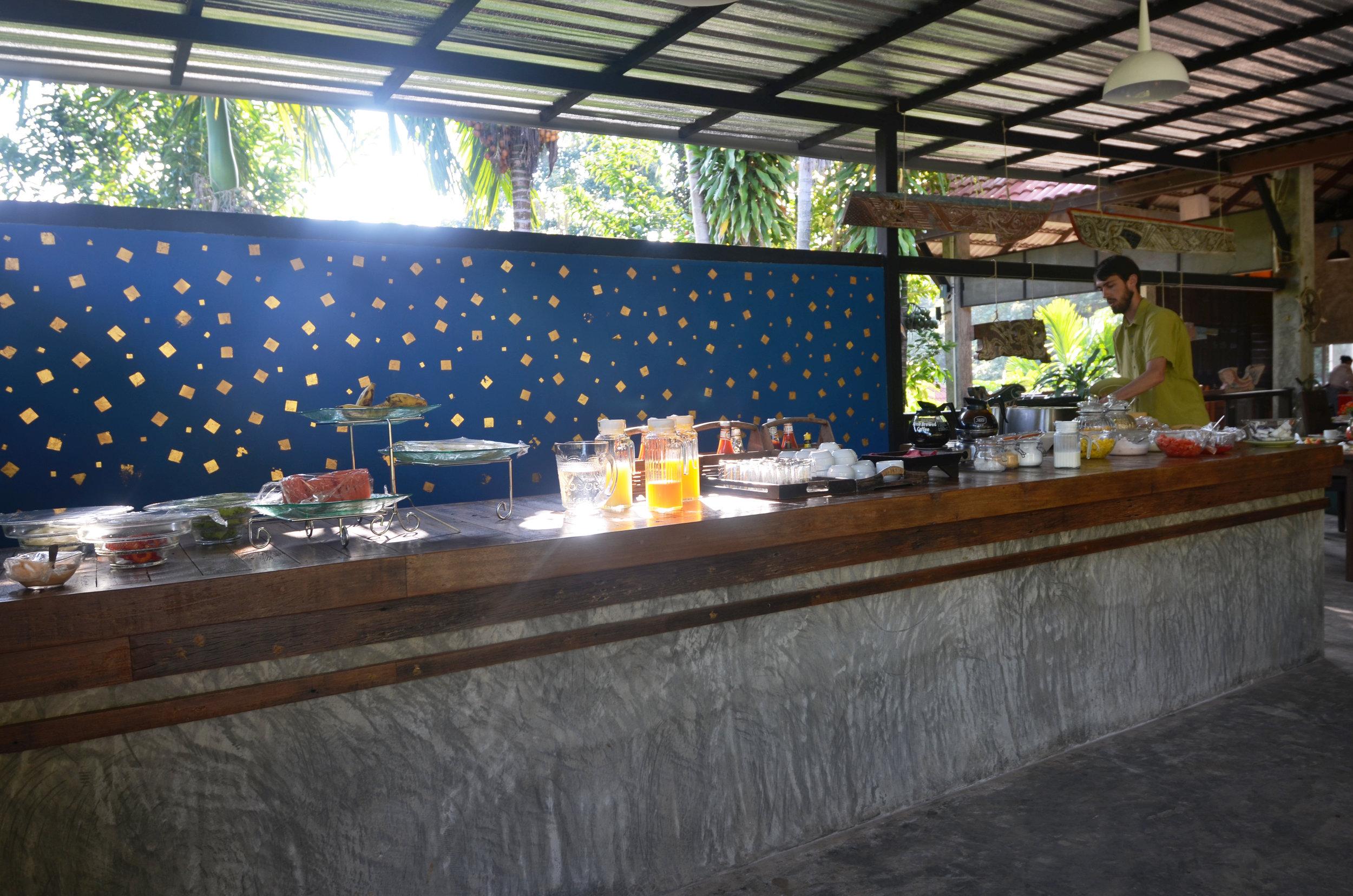 Chaw Kaw Cher's breakfast buffet