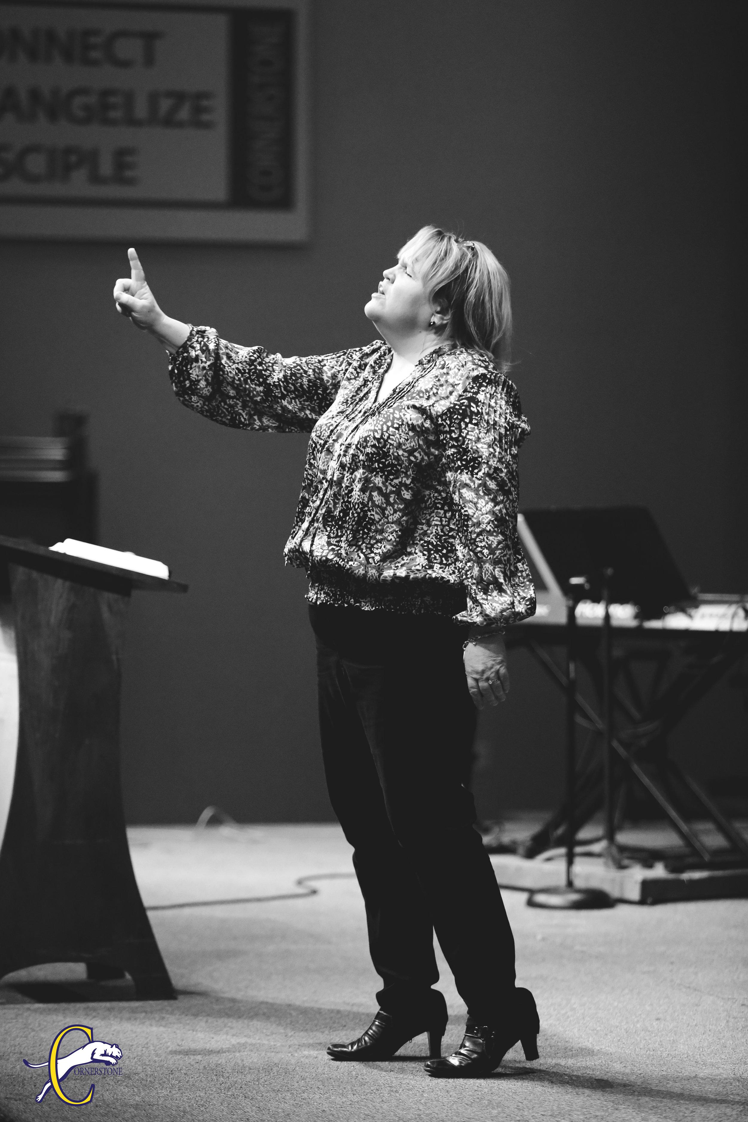 Pastor Maria.jpg
