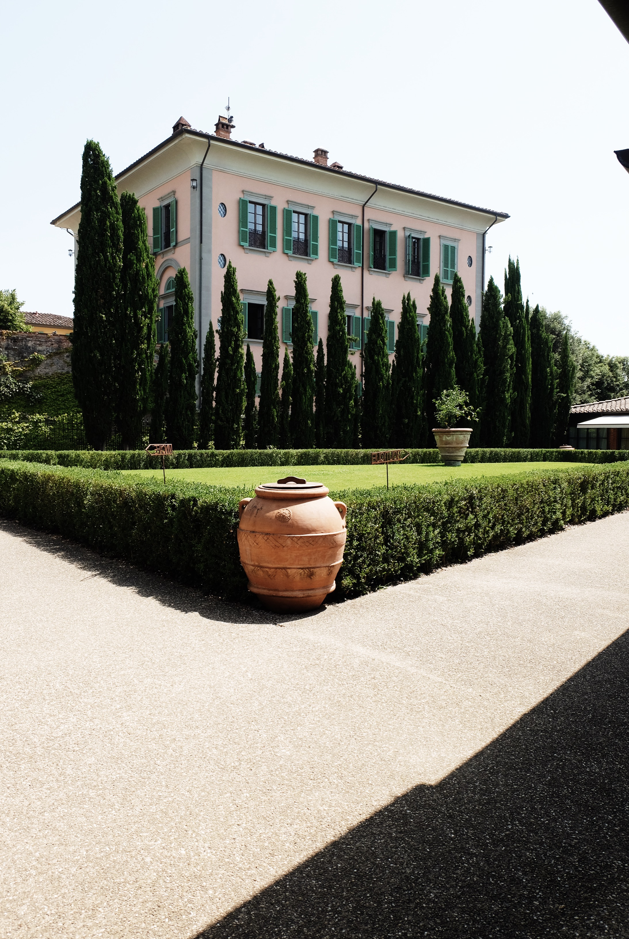 DulciEdge_TuscanyTravelGuide