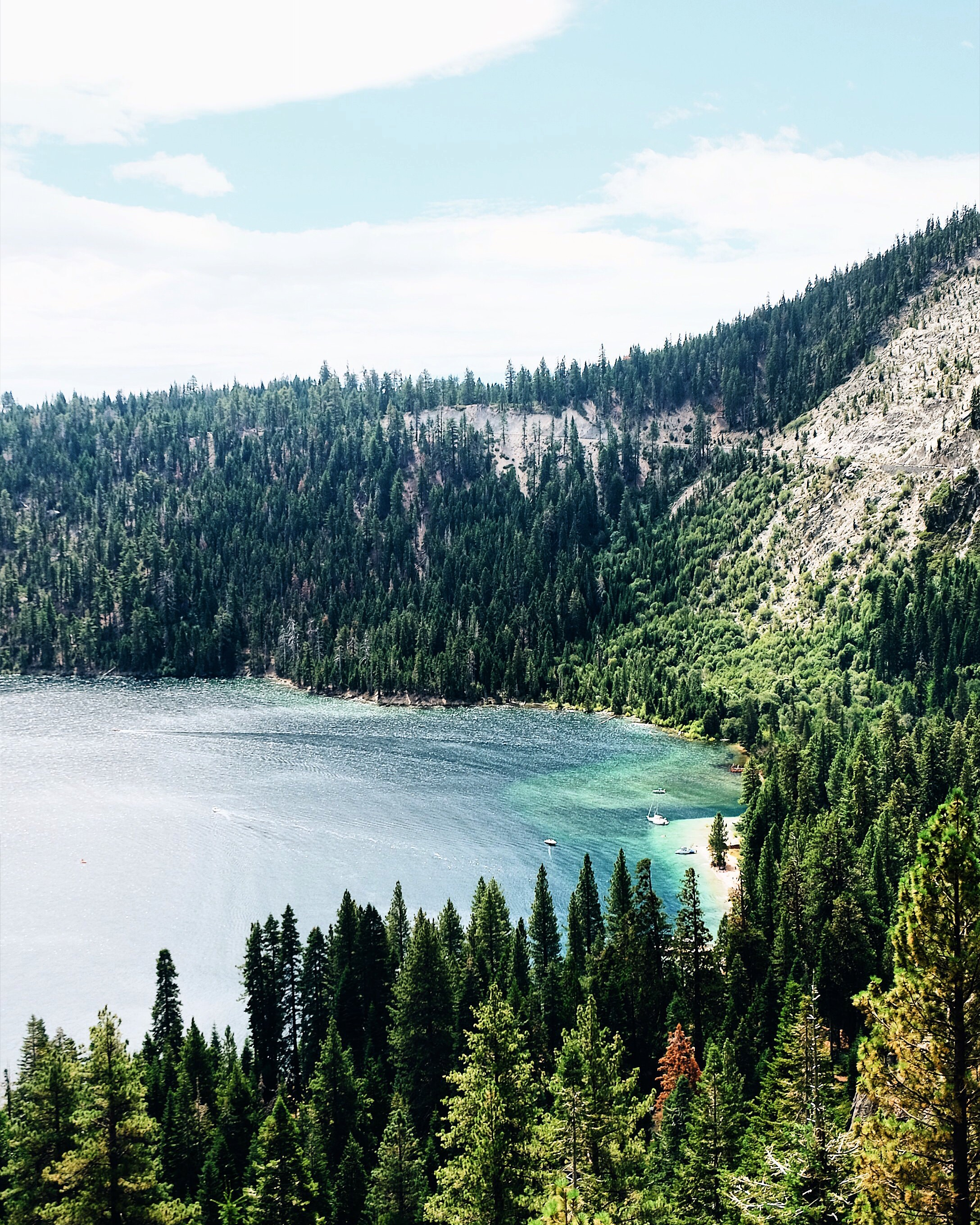 Emerald Bay. Travel Guide to Lake Tahoe