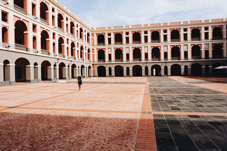 The Far & Near Travel Guide to Old San Juan by Dulci Edge
