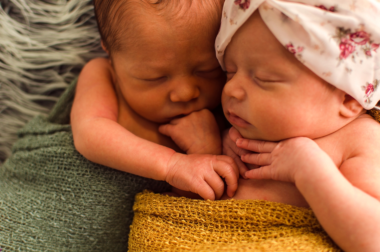 newborn-twins-indianapolis_0006.jpg