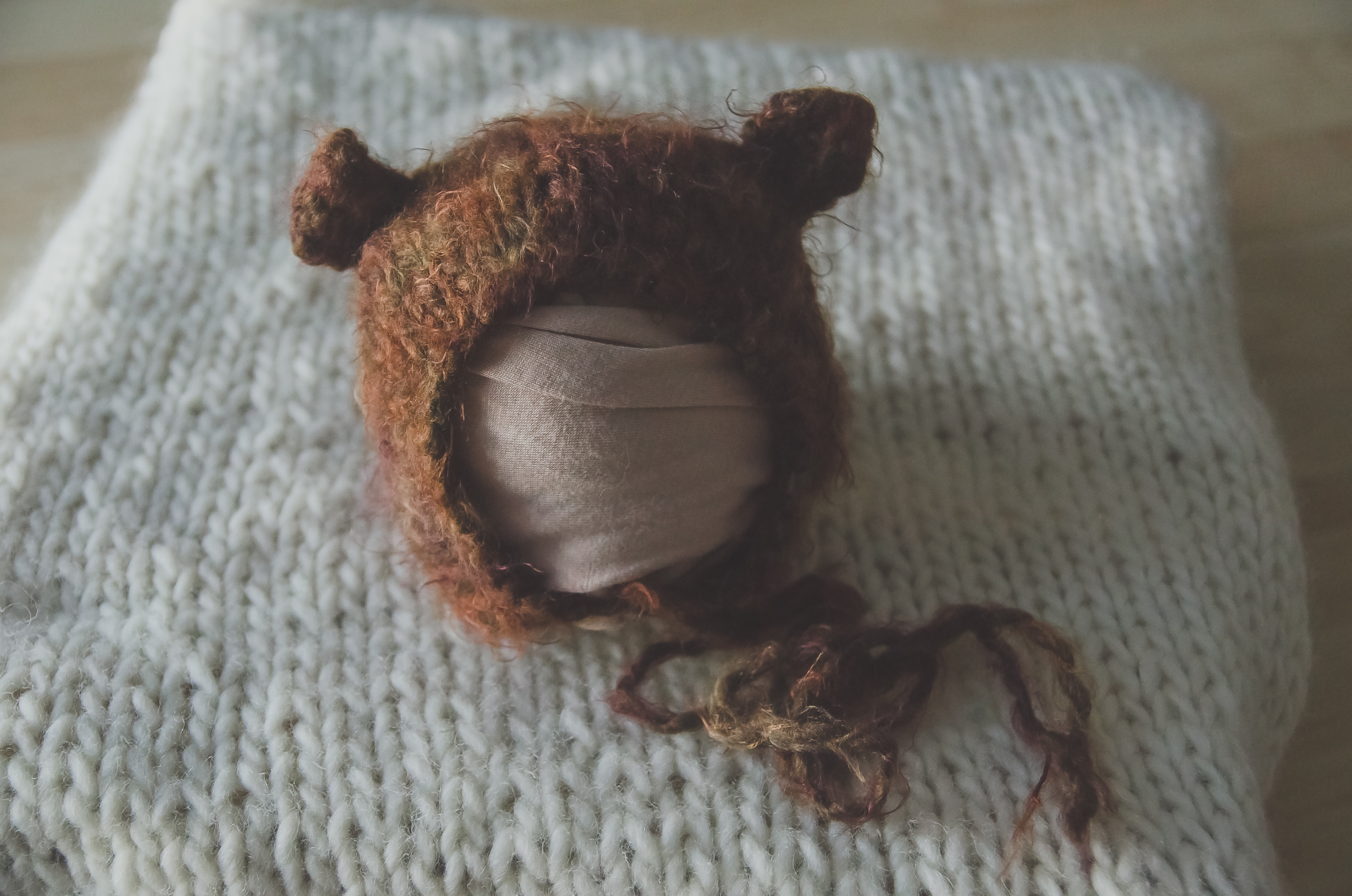 cute bear bonnet for newborn photographers